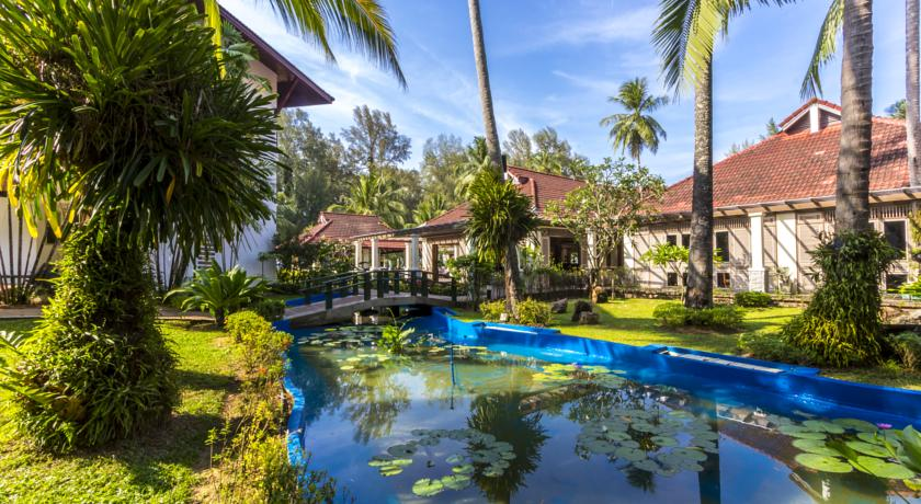 Amora Beach Resort Phuket