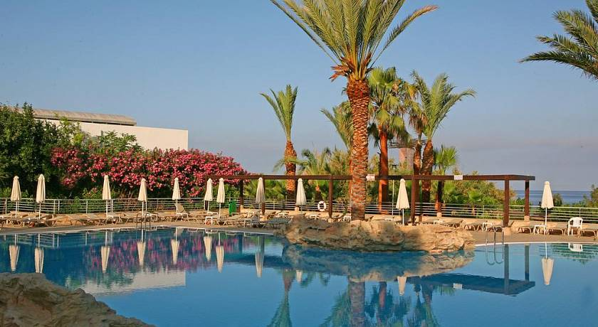 ST.GEORGE HOTEL SPA & GOLF BEACH RESORT